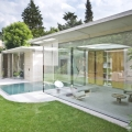 Transparent House Extension Connects Intimately With The Garden