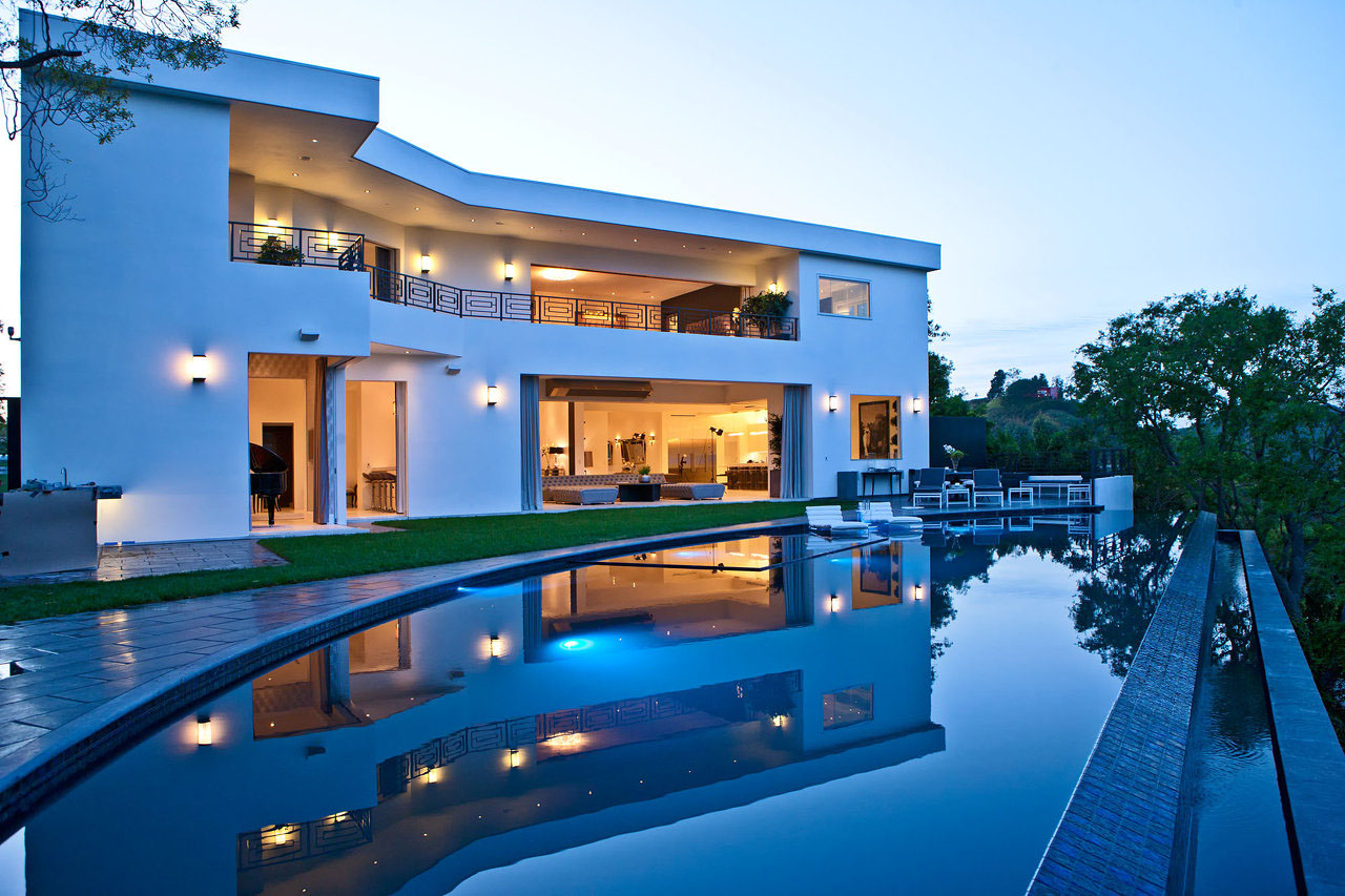 this timeless contemporary luxury - Luxury Homes With Pools