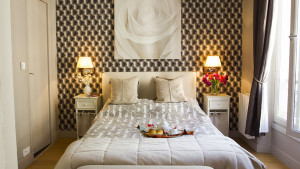 Stylish Parisian Bedroom Decor