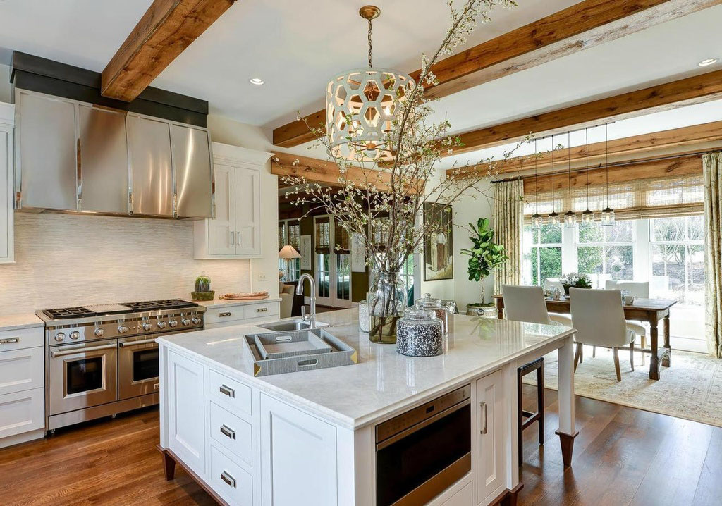 Elegant Traditional Kitchen