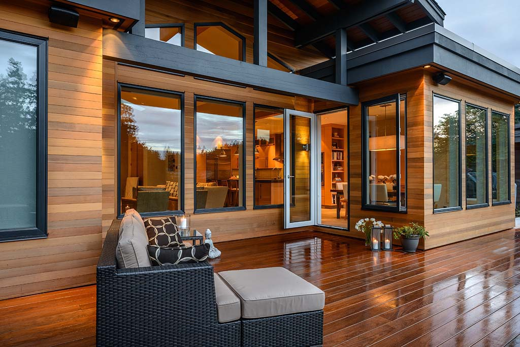 Timeless West Coast Contemporary Home With A Zen-Like ...