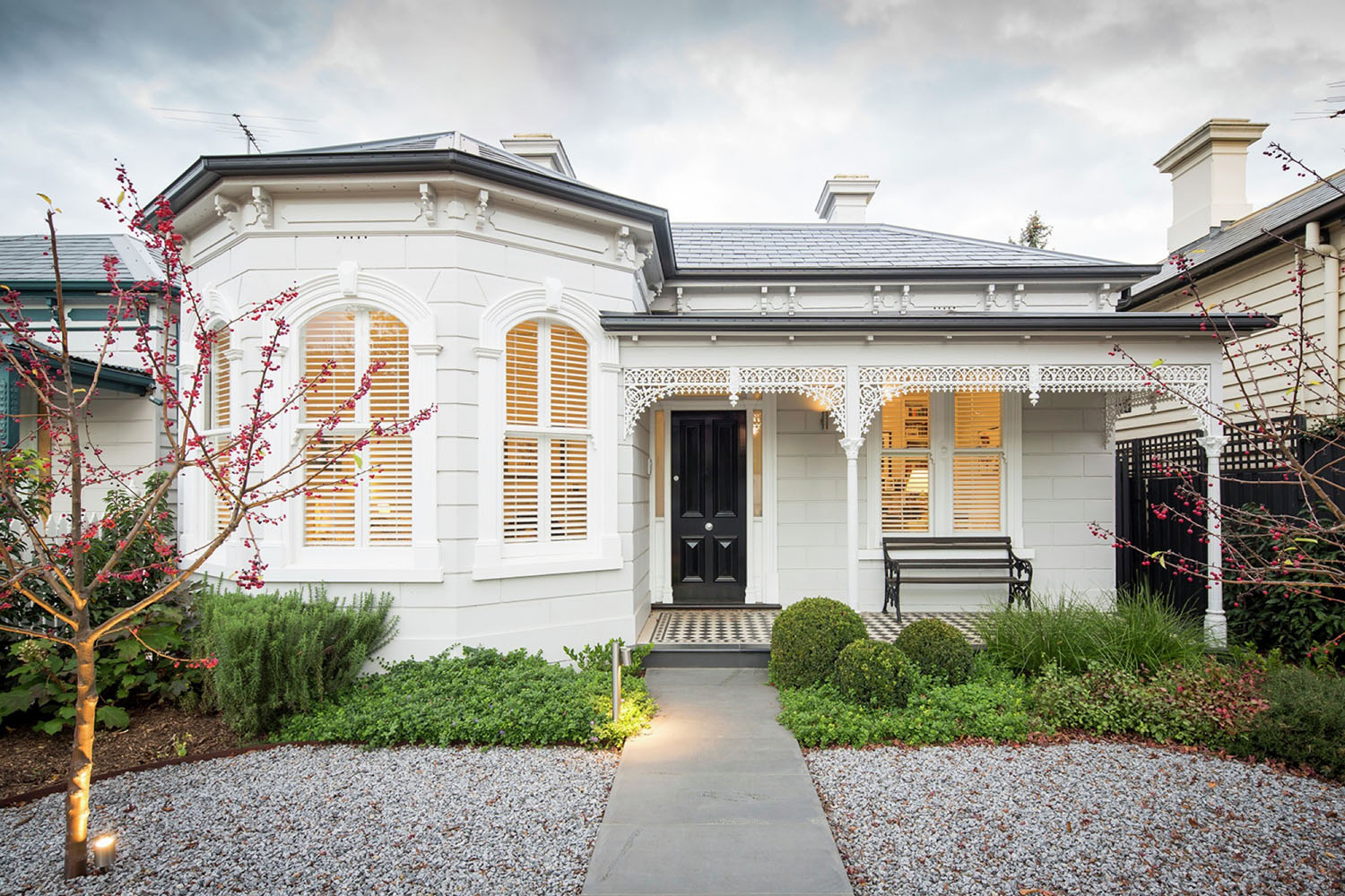 Victorian style house in melbourne transformed into Modern victorian architecture