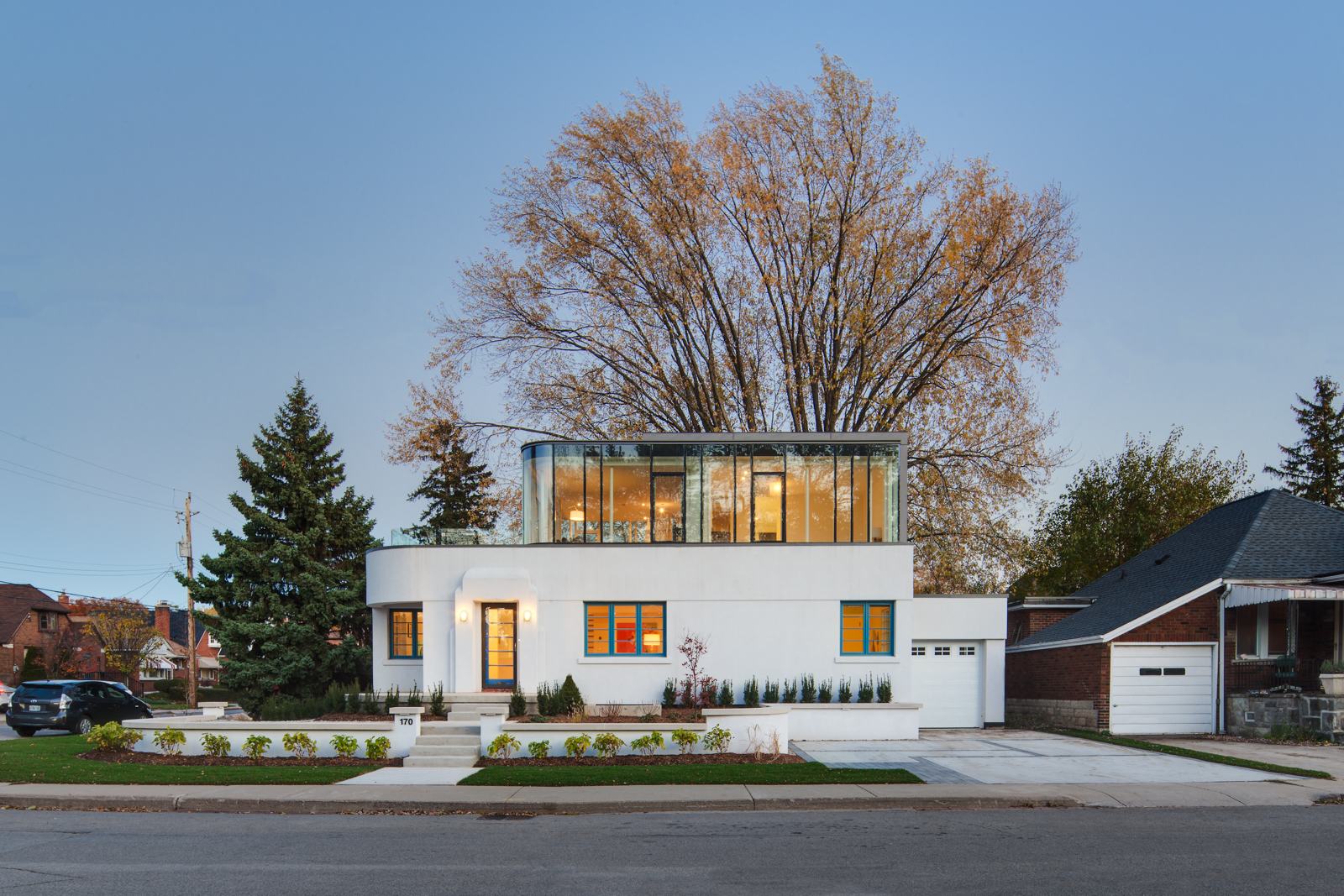 A Restored Heritage Home With Art Moderne Architecture | iDesignArch ...