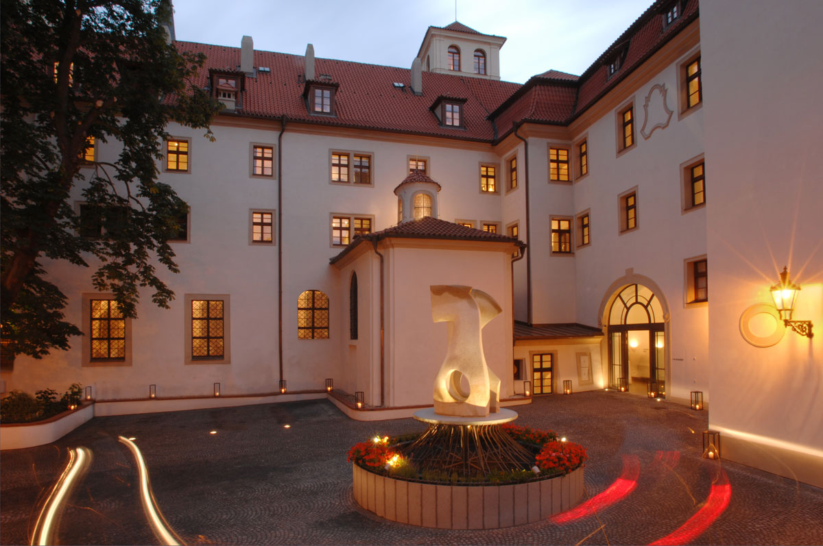 The augustine prague contemporary hotel in 13th century for Design boutique hotel prag