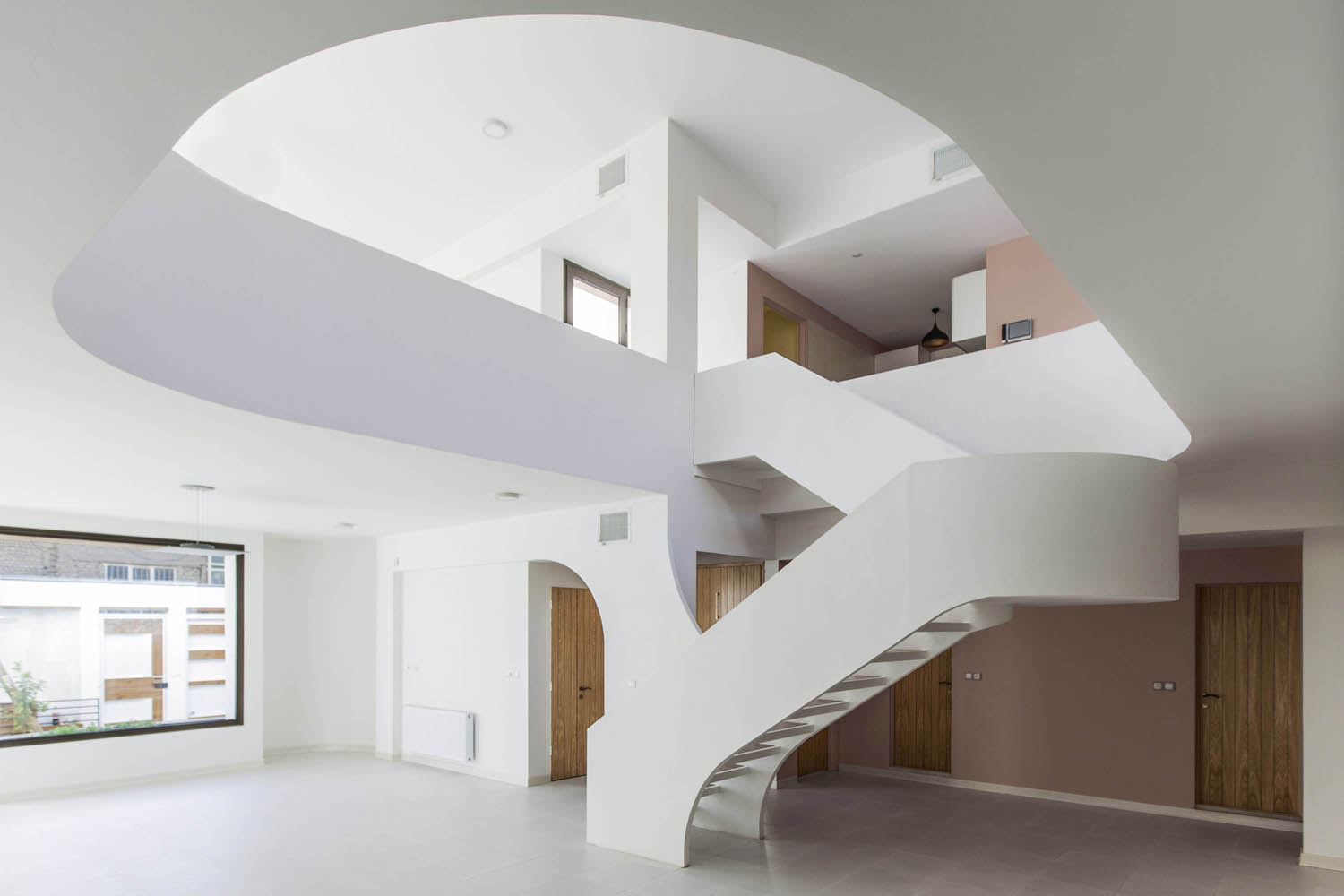 White Modern House With Curved Surfaces In Isfahan Stands