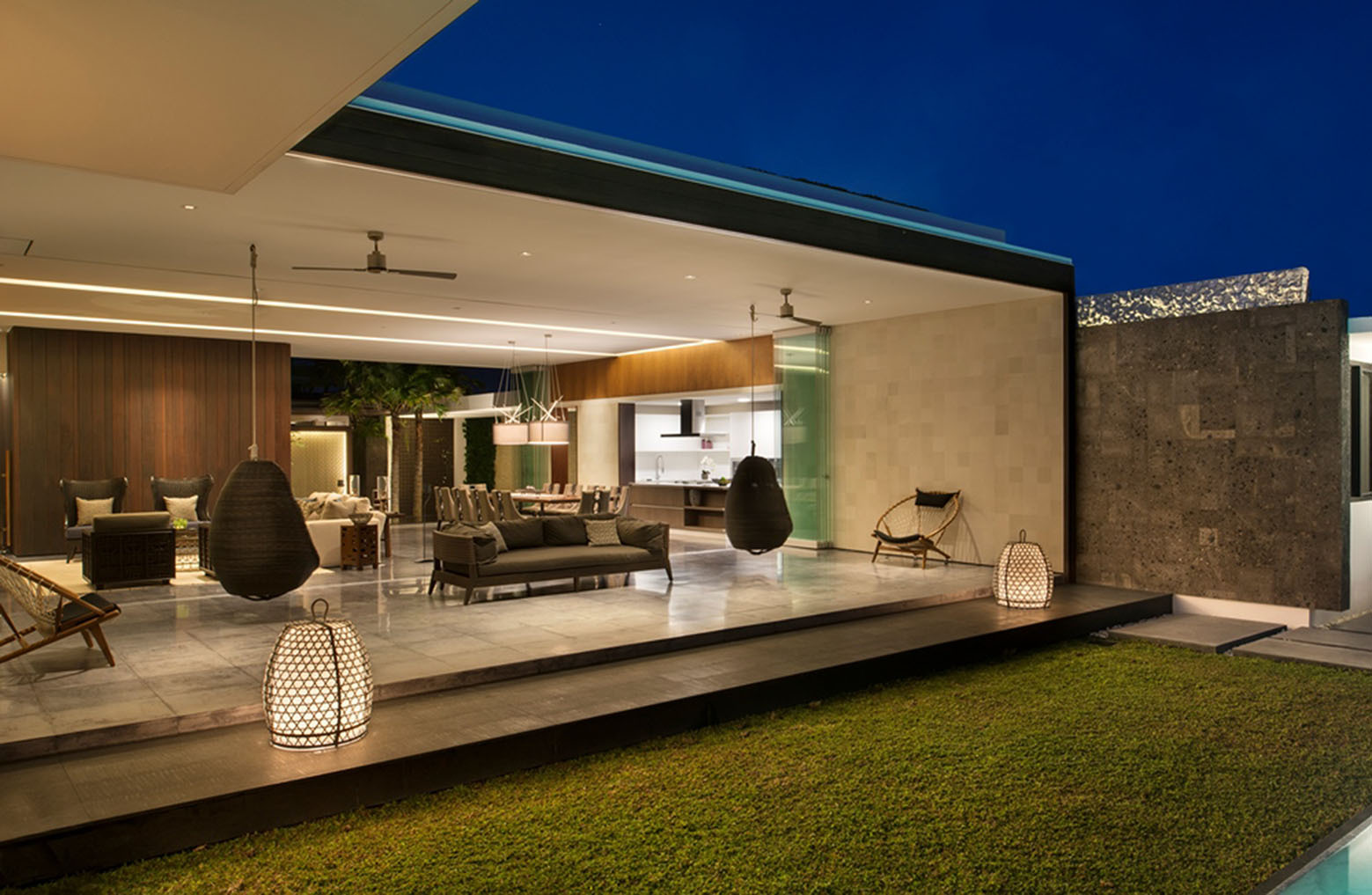 Modern Resort Villa With Balinese Theme Idesignarch