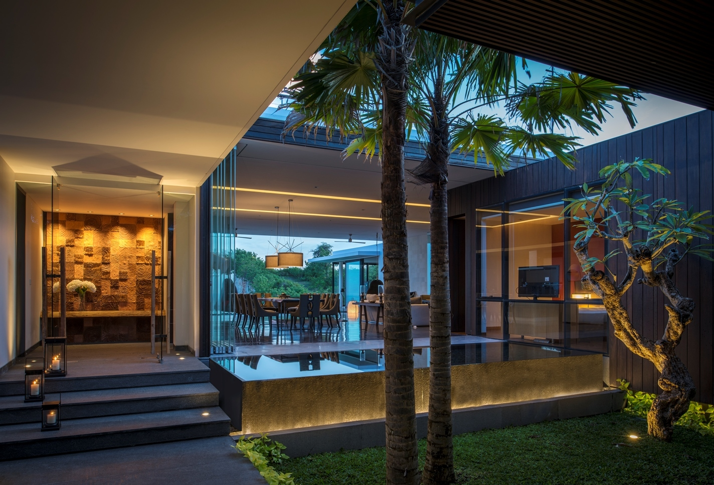 modern tropical home with interior courtyard bali oceanfront villa - Balinese House Designs