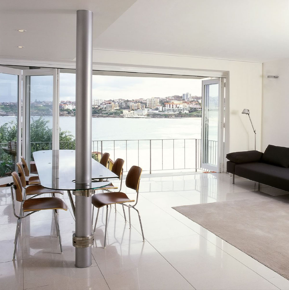 Bondi Beach Apartment With Pivoting Glass Table