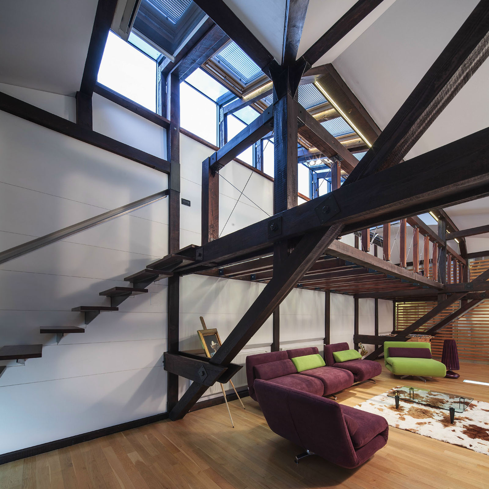 Wood structure defines contemporary renovated attic loft apartment in bucharest idesignarch for Loft apartment interior design