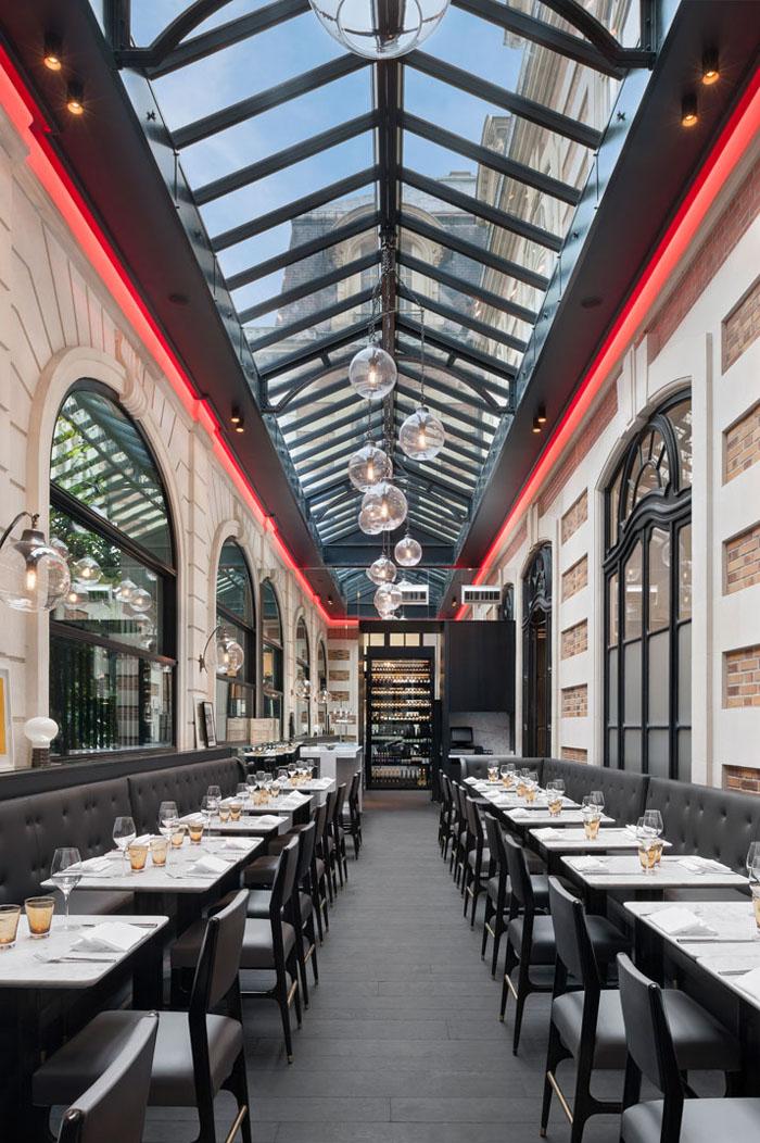 Champs Elysées Café