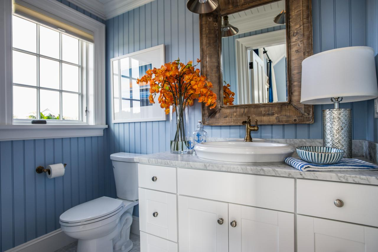 Coastal Style Bathroom in Light Blue