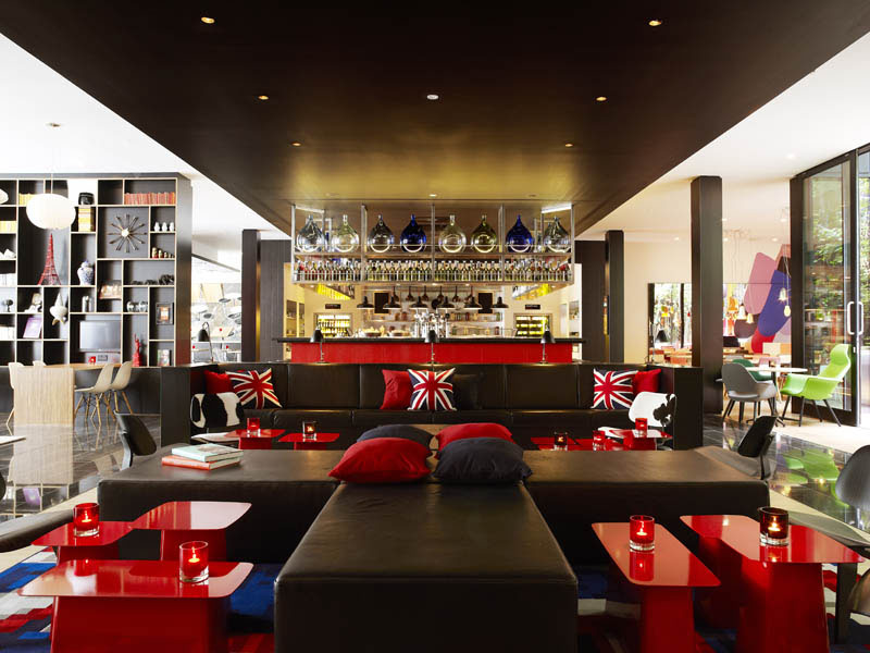 citizenm hotel london bankside with cool british theme - British Interior Design Blogs