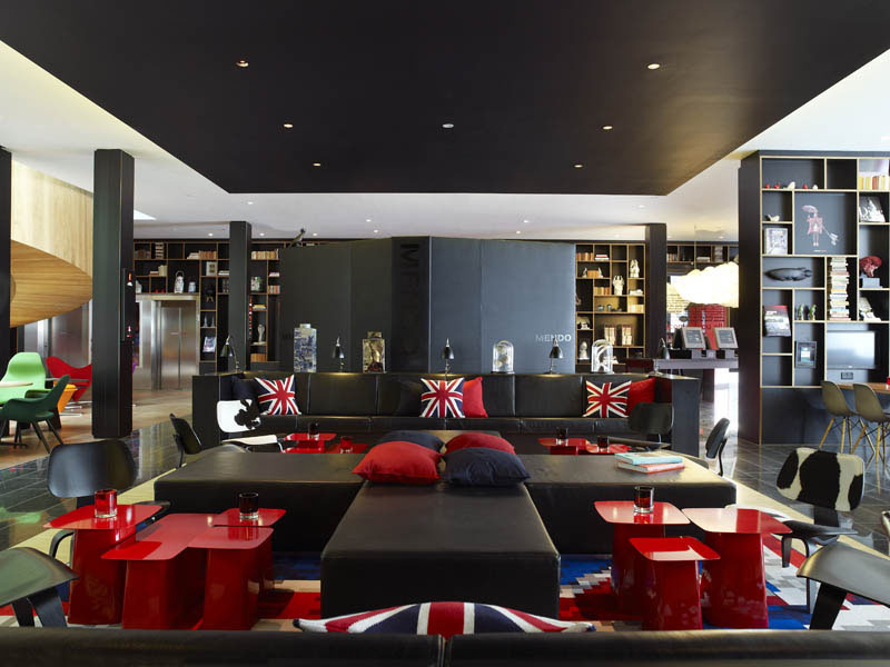Citizenm hotel london bankside with cool british theme for London living room ideas