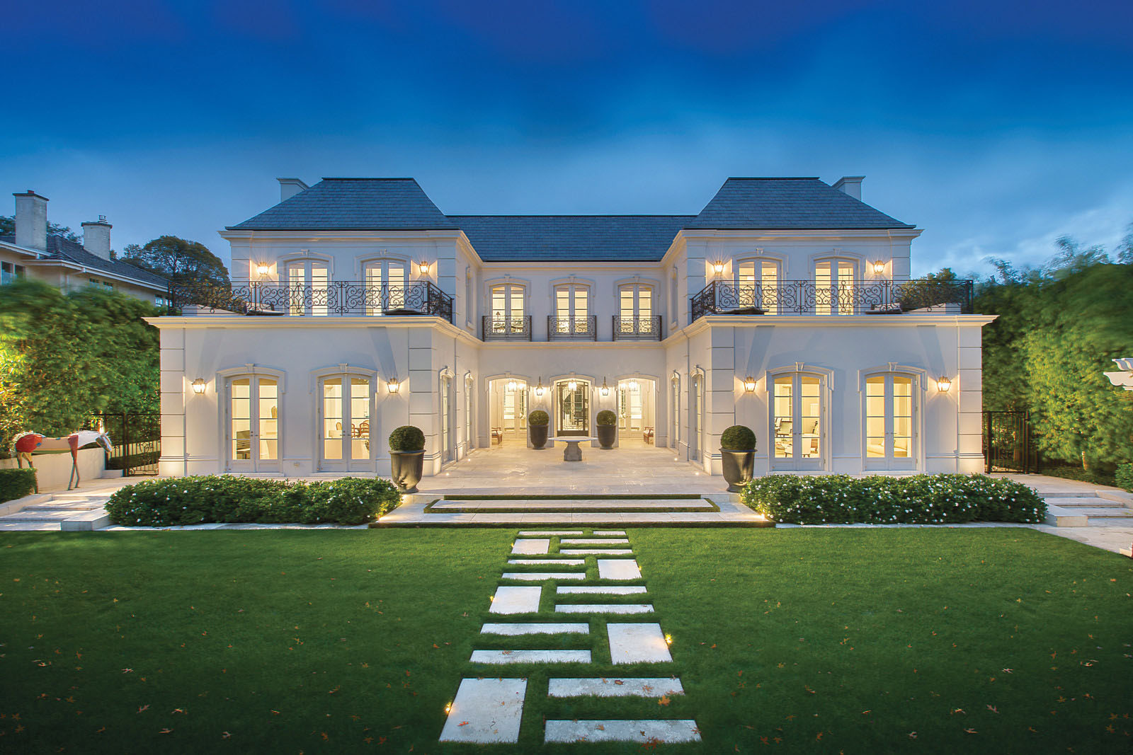 Palatial luxury mansion in melbourne with classical french for Luxury home architects