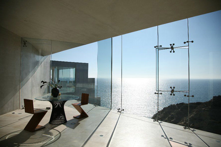 Cliffside-Ocean-View-House