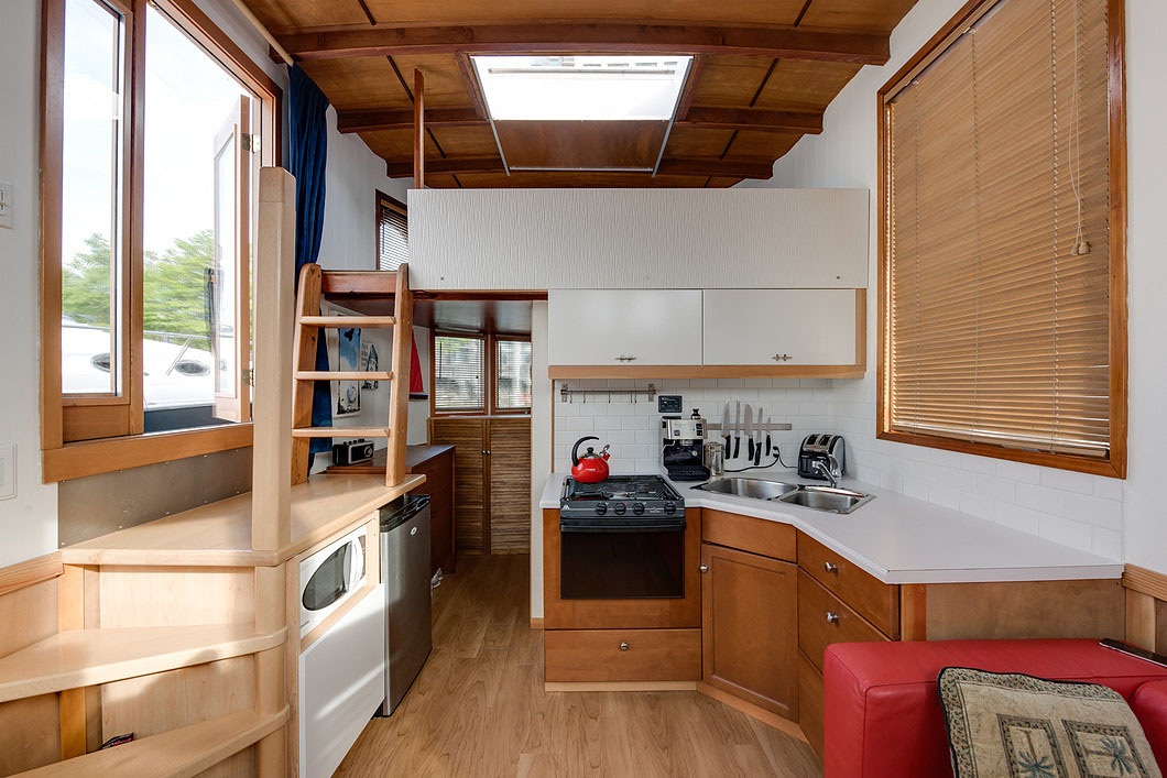 Tiny Houseboat Interior