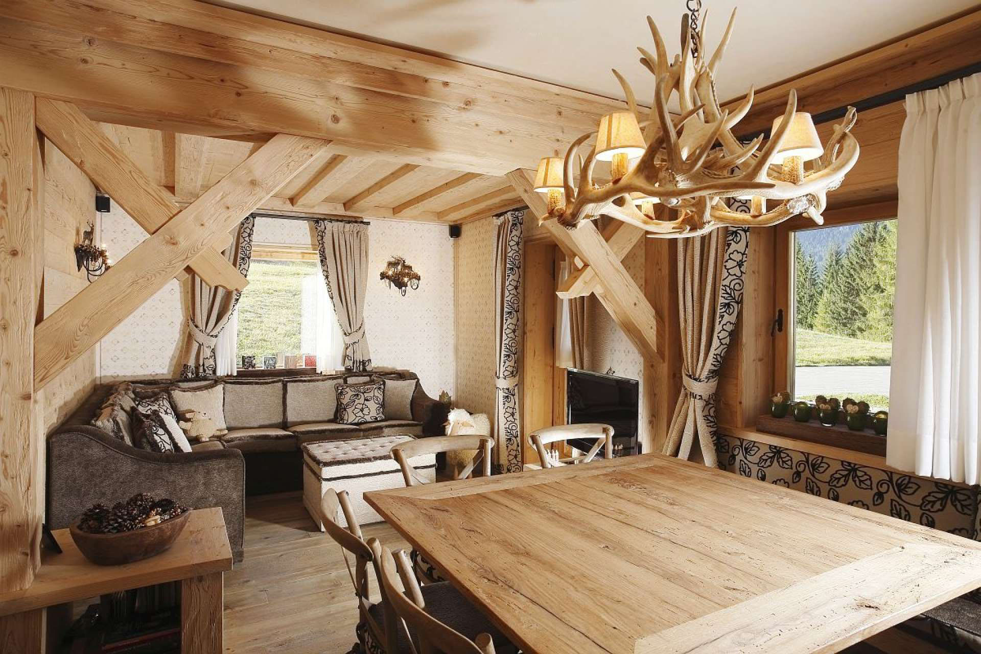 Rustic alpine apartment with natural wood elements for Rustic style interior