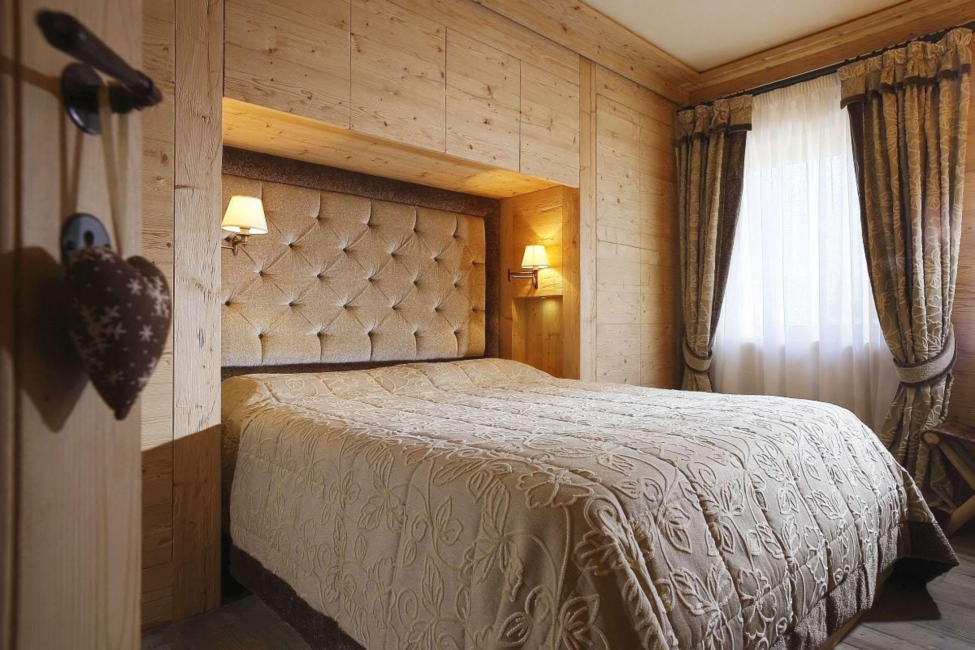Cortina d'Ampezzo Resort Bedroom