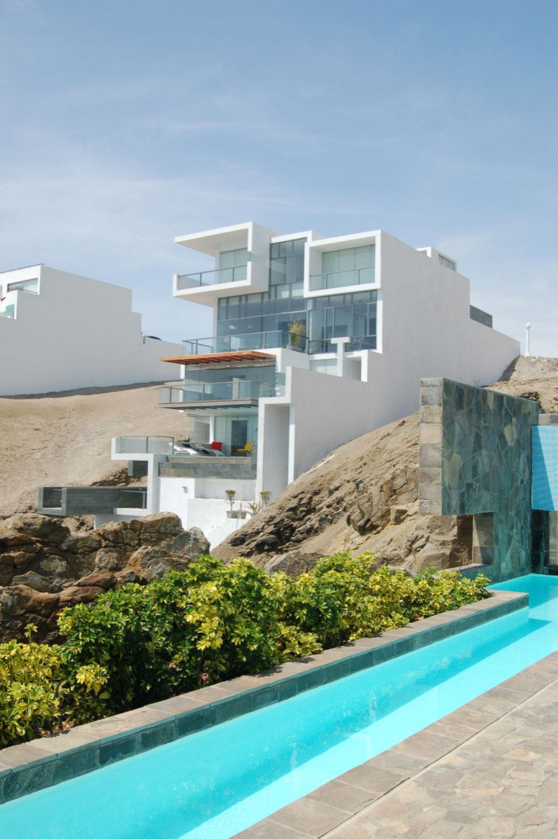 Contemporary beach house with terraces idesignarch for Beach house design contemporary