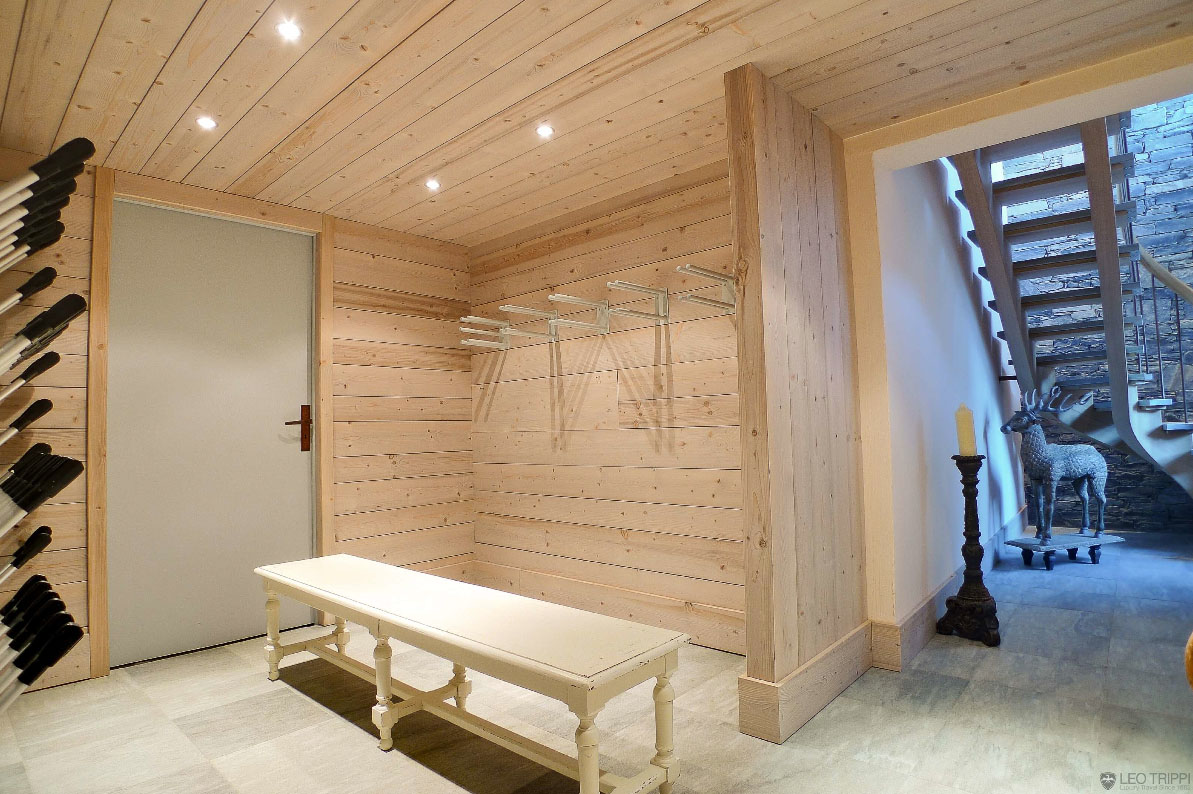 Contemporary Chalet In M Ribel
