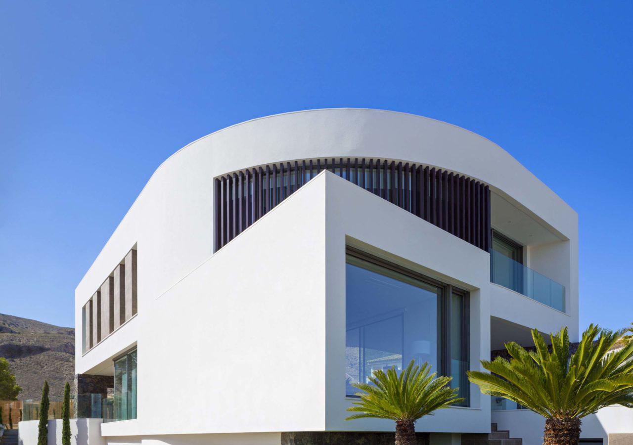 Contemporary mediterranean home casa finestrat alicante for Modern mediterranean architecture