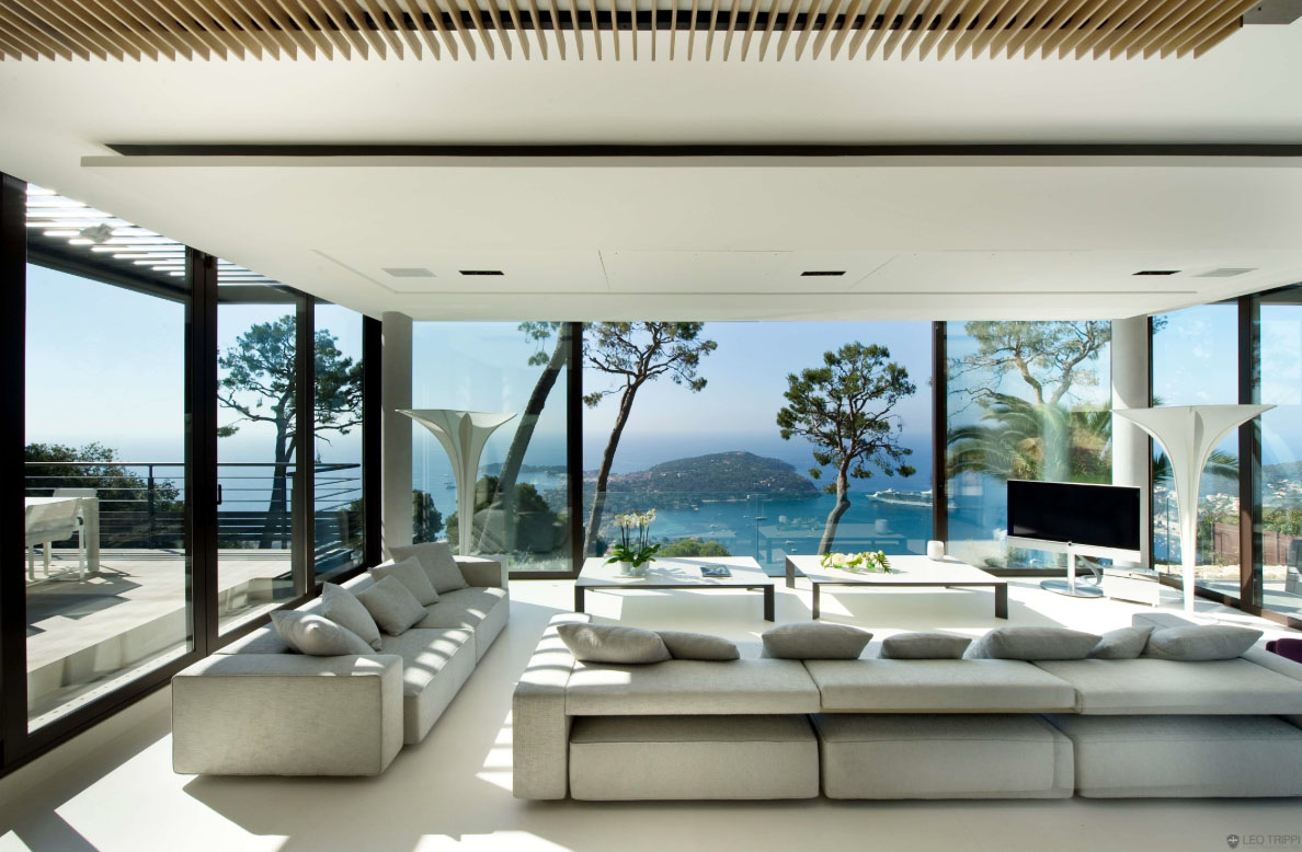 Luxury contemporary villa in the french riviera - Salon de jardin luxe ...