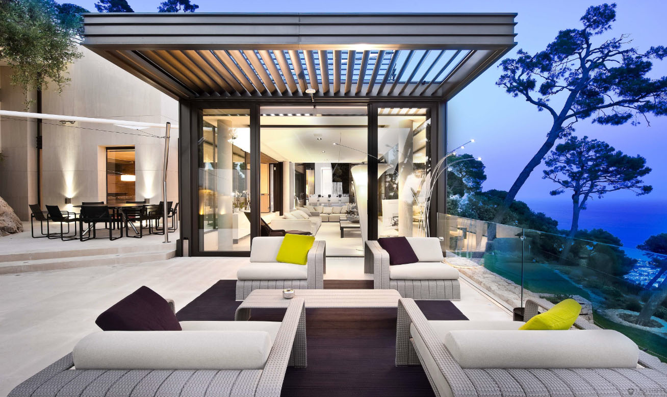 Luxury contemporary villa in the french riviera - Photo de terrasse moderne ...