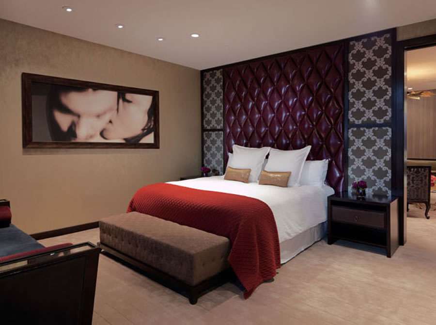 Swanky hotel interior design the cosmopolitan of las for Modern hotel decor