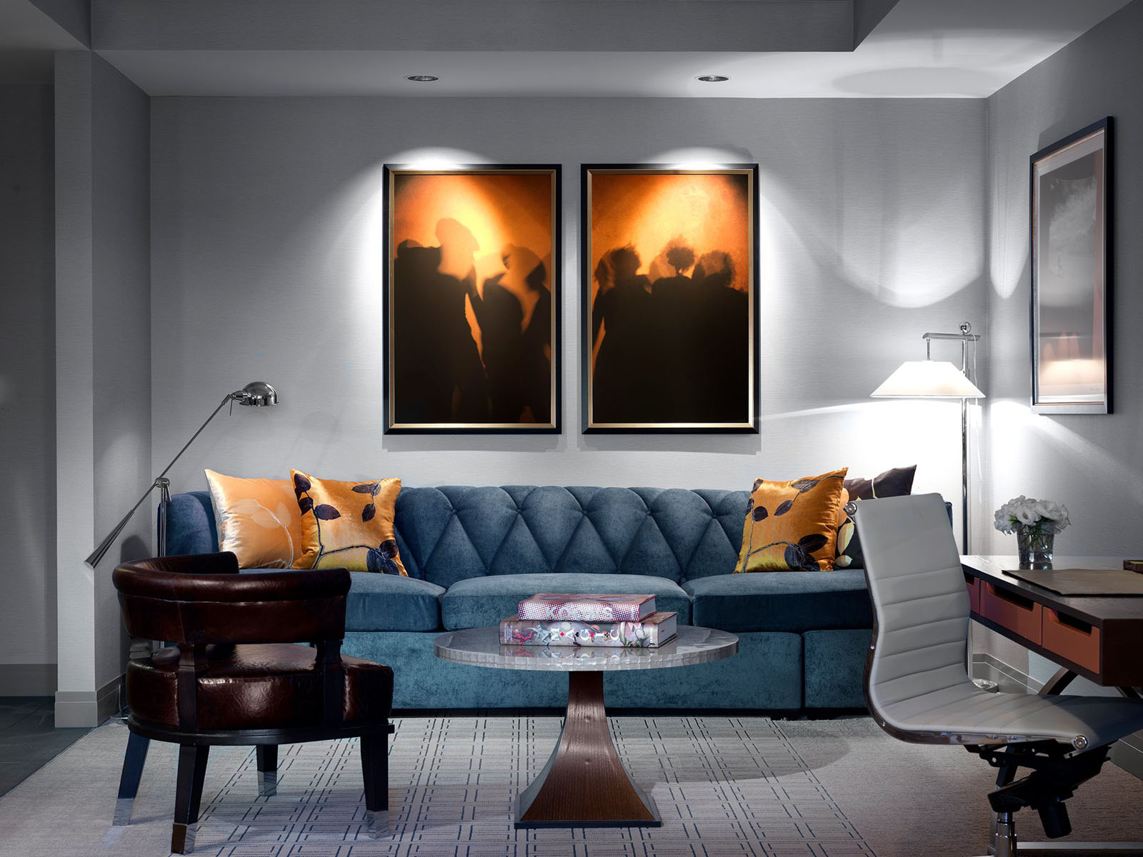 Swanky hotel interior design the cosmopolitan of las for Hotel home decor