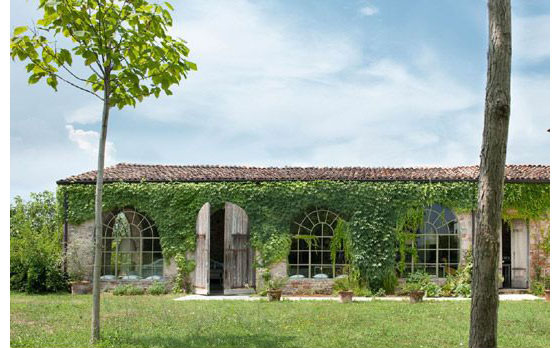 Country House In Italy Combines Modern Simplicity With 14th