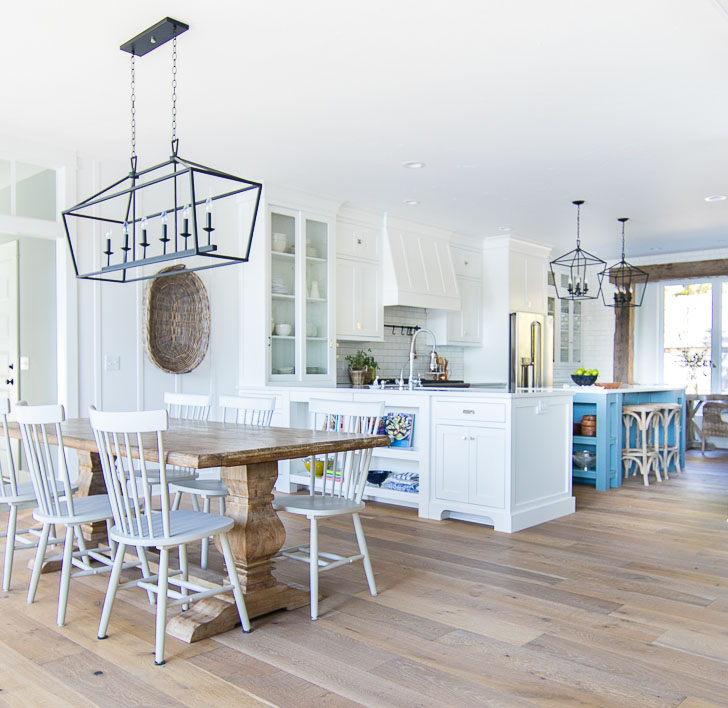 Interior Decorators In Michigan: Charming Lakeside Cottage In Michigan With Walkout