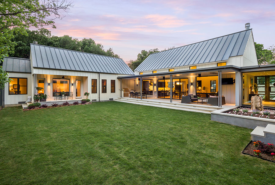 Estate like modern farmhouse in texas idesignarch for Farmhouse designs photos
