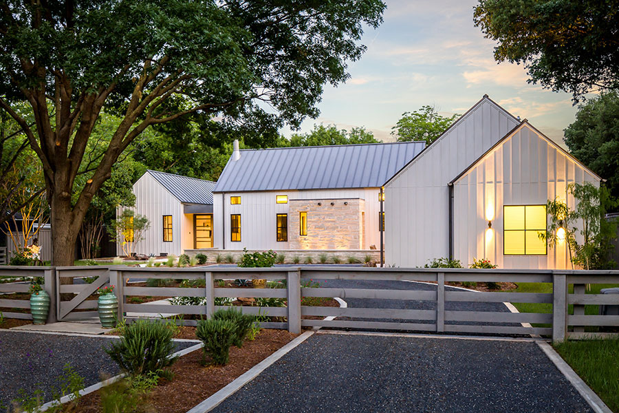 Estate like modern farmhouse in texas idesignarch for 2 story modern farmhouse