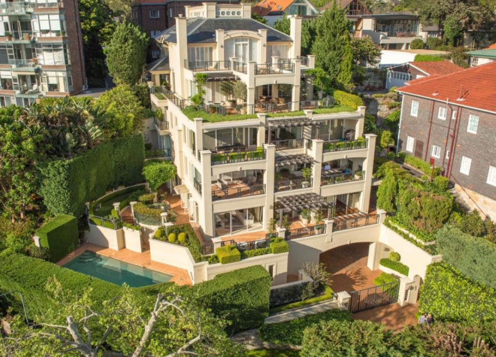 Timeless Luxury Garden Apartment Overlooking Sydney Harbour as well Remodelled Rooftop Apartment In New York in addition Wedding Trends likewise Wedding Cake Ideas further Futuristic Bathroom Layout High Tech Space Saving Design. on minimalist tableware