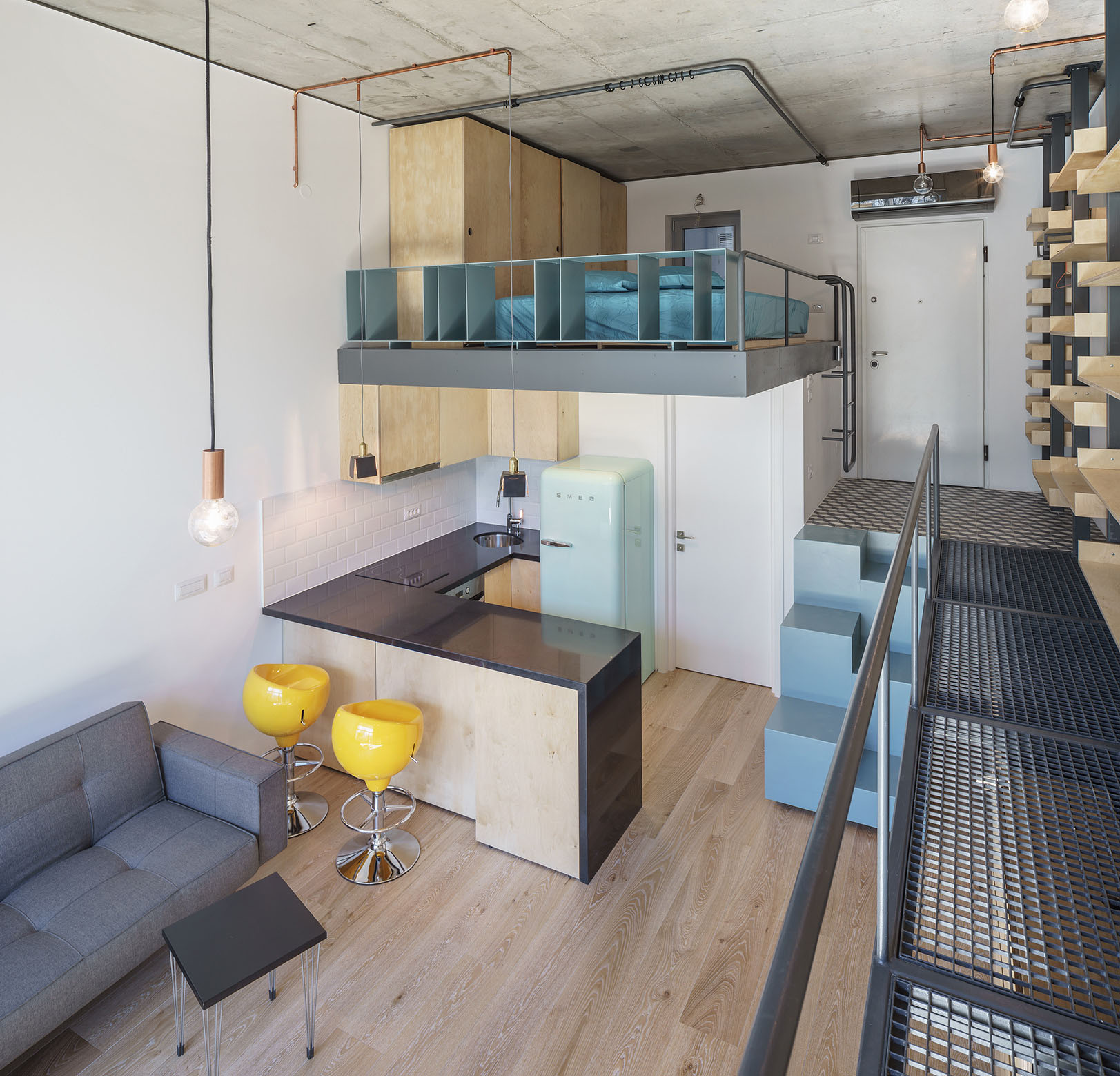 Mobile Home Decorating: Contemporary Studio Apartment In Bucharest