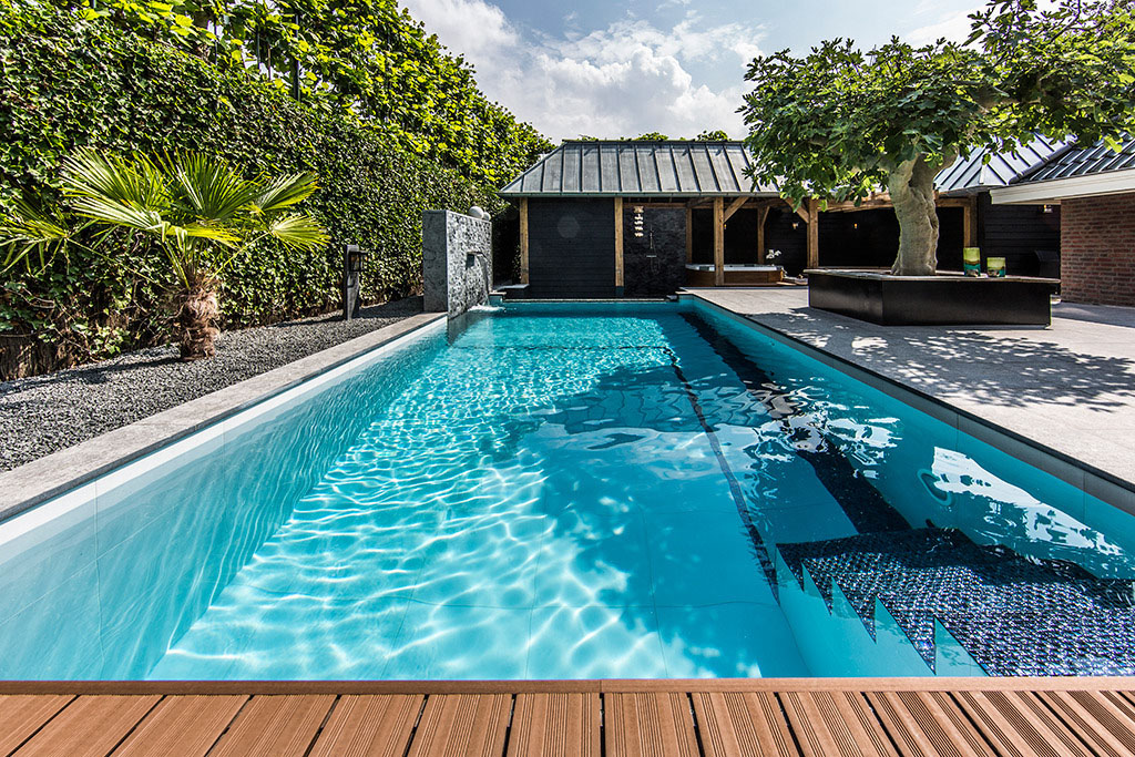 Garden with pool home design inside for Pool garden house