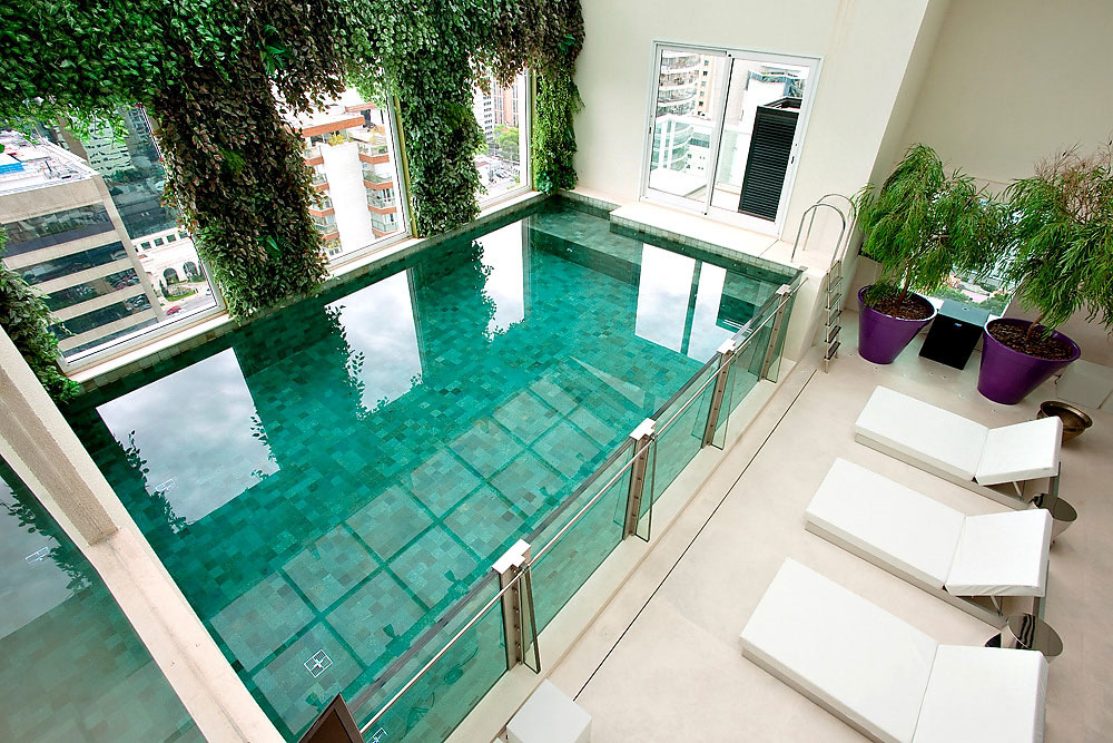 Glass-Swimming-Pool