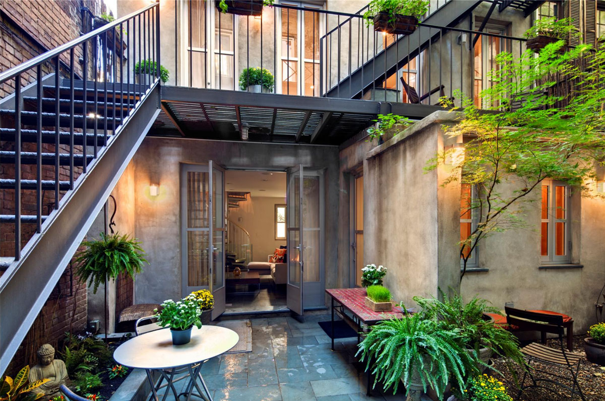 East village carriage house with modernist interiors Modern house architect new york