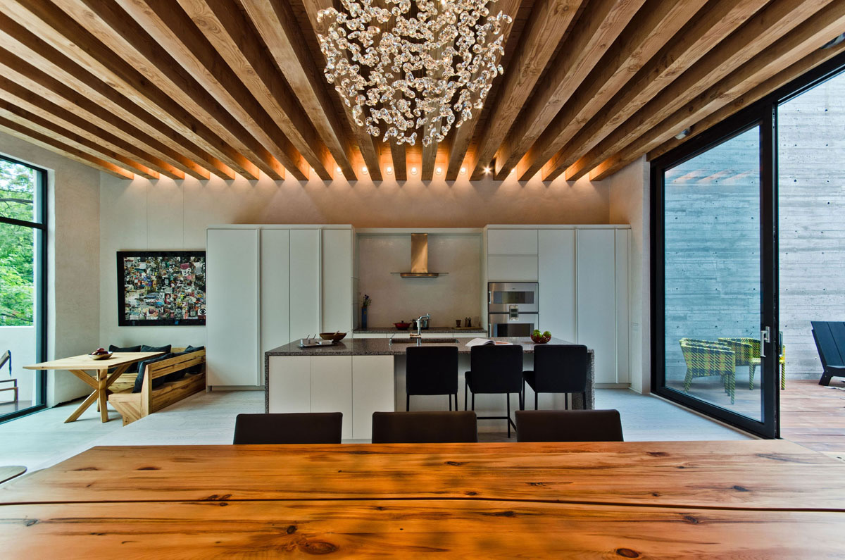 Ecological House In Montreal With Contemporary Exposed Beams