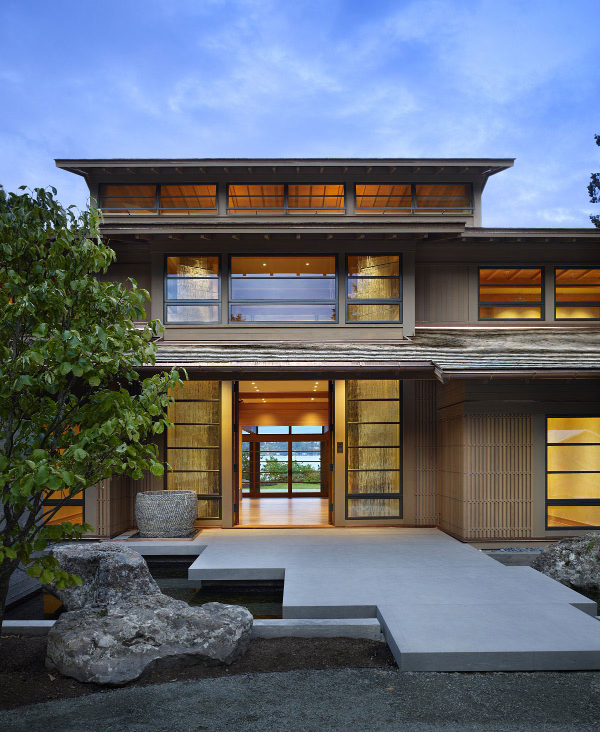 Contemporary house in seattle with japanese influence for Asian architecture house design