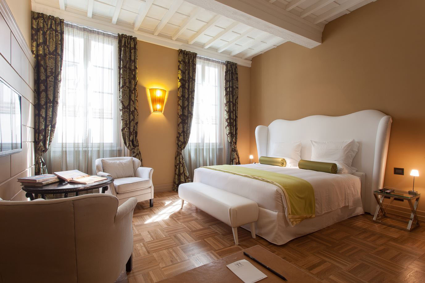 Firenze number nine a charming luxury boutique hotel with for Charming small hotels italy