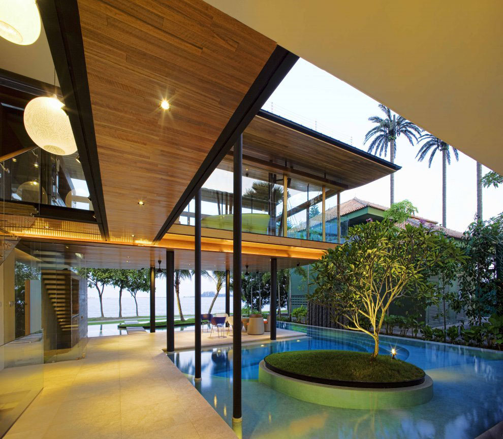 Tree Inside The House Interior Climate Controlled: Environmentally Friendly Modern Tropical House In