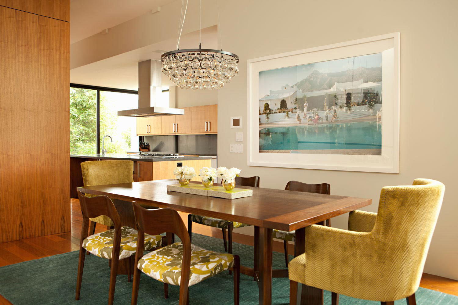 Modern beach house exudes a casual sophistication for Retro dining room ideas