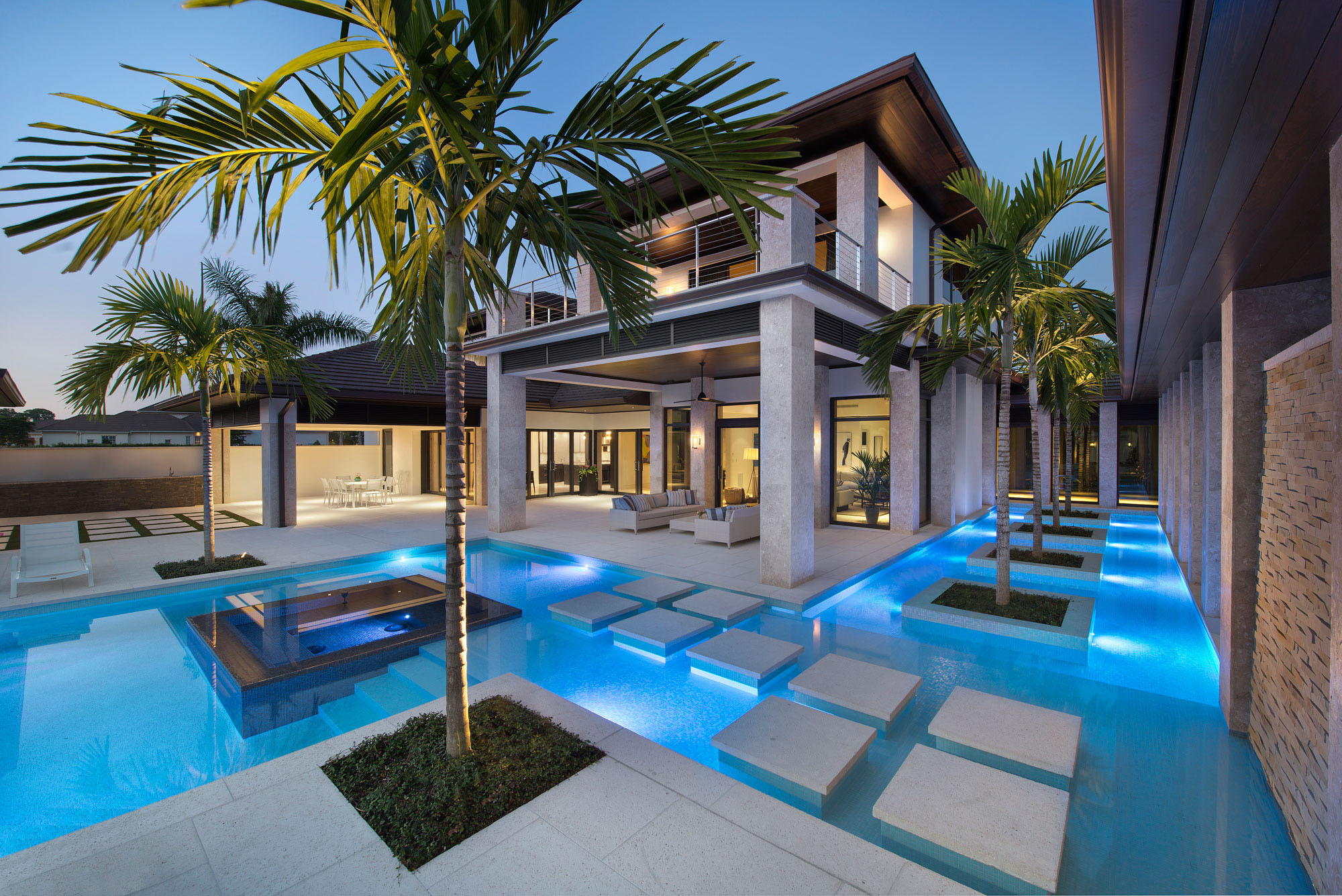 Custom dream home in florida with elegant swimming pool for Luxury home plans with pools