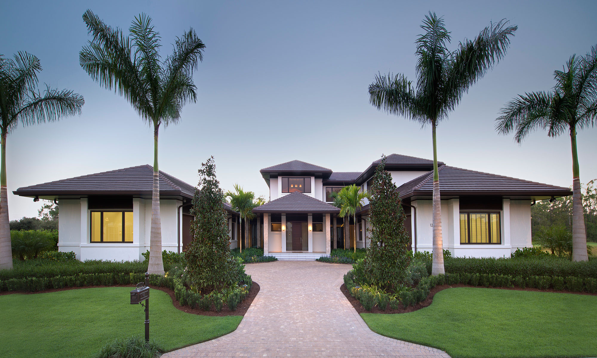 Custom dream home in florida with elegant swimming pool for Custom home plans florida
