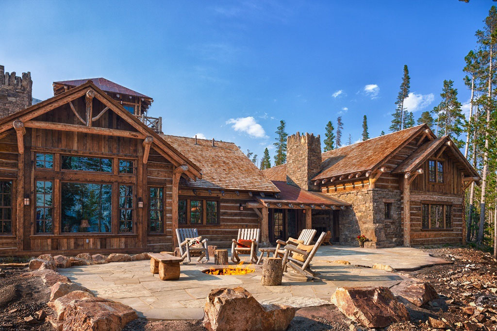 Old west inspired luxury rustic log cabin in big sky for Large luxury log homes