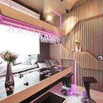 Cool Modern Kitchen Ideal For Entertaining