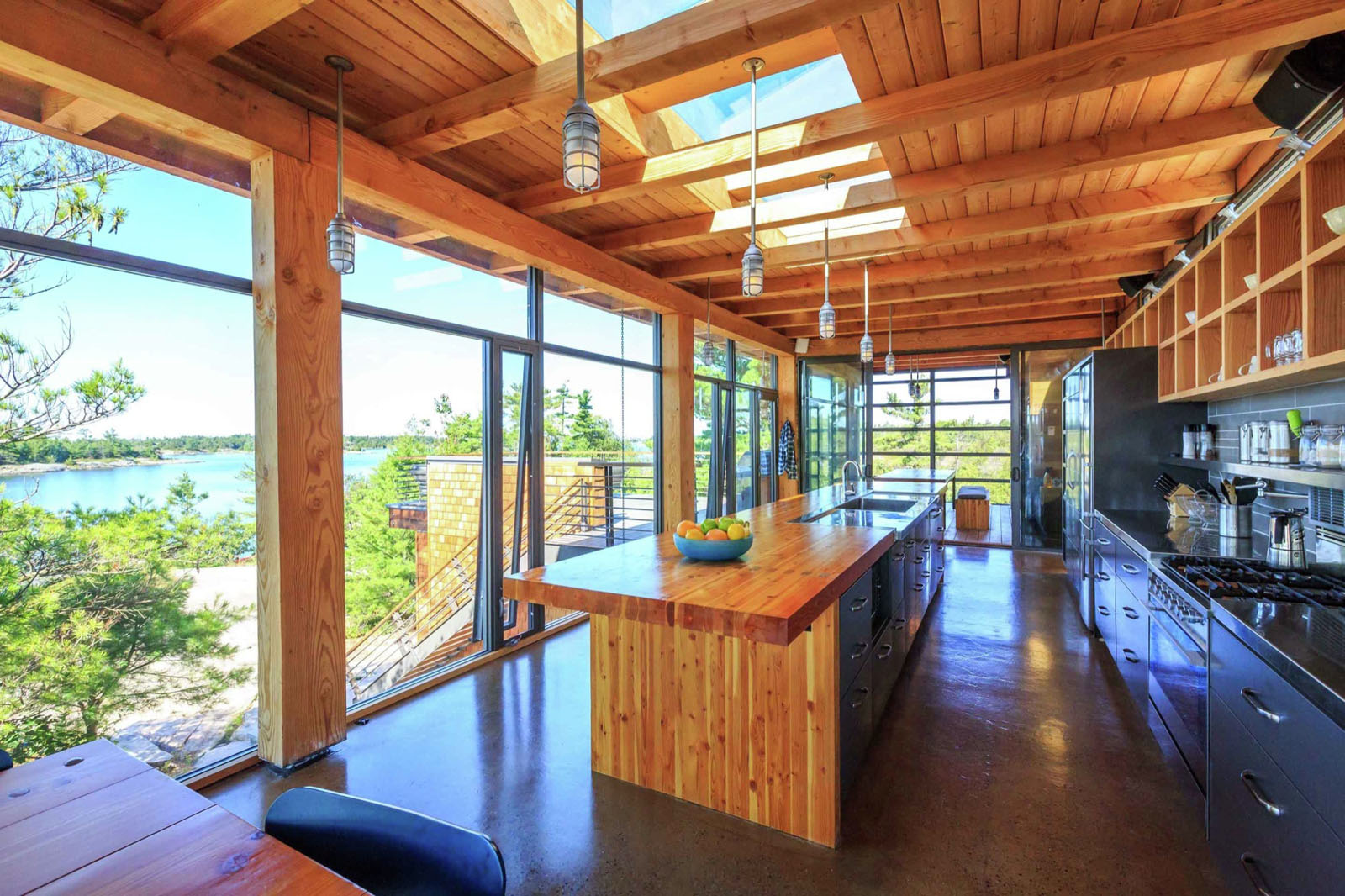 Modern timber country cottage in georgian bay for Contemporary designs of one bedroom cottages