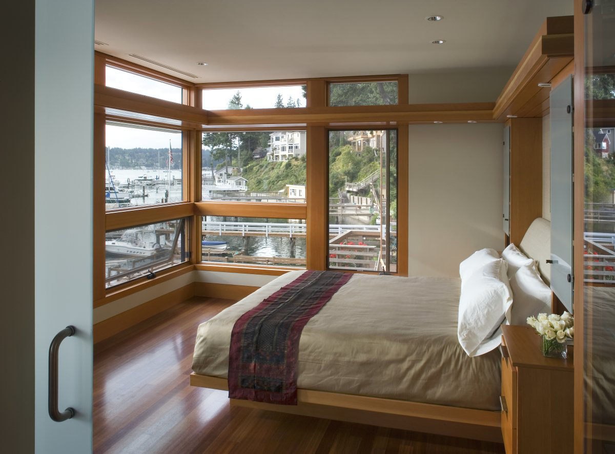Sustainable house on the water 39 s edge idesignarch for Large window designs