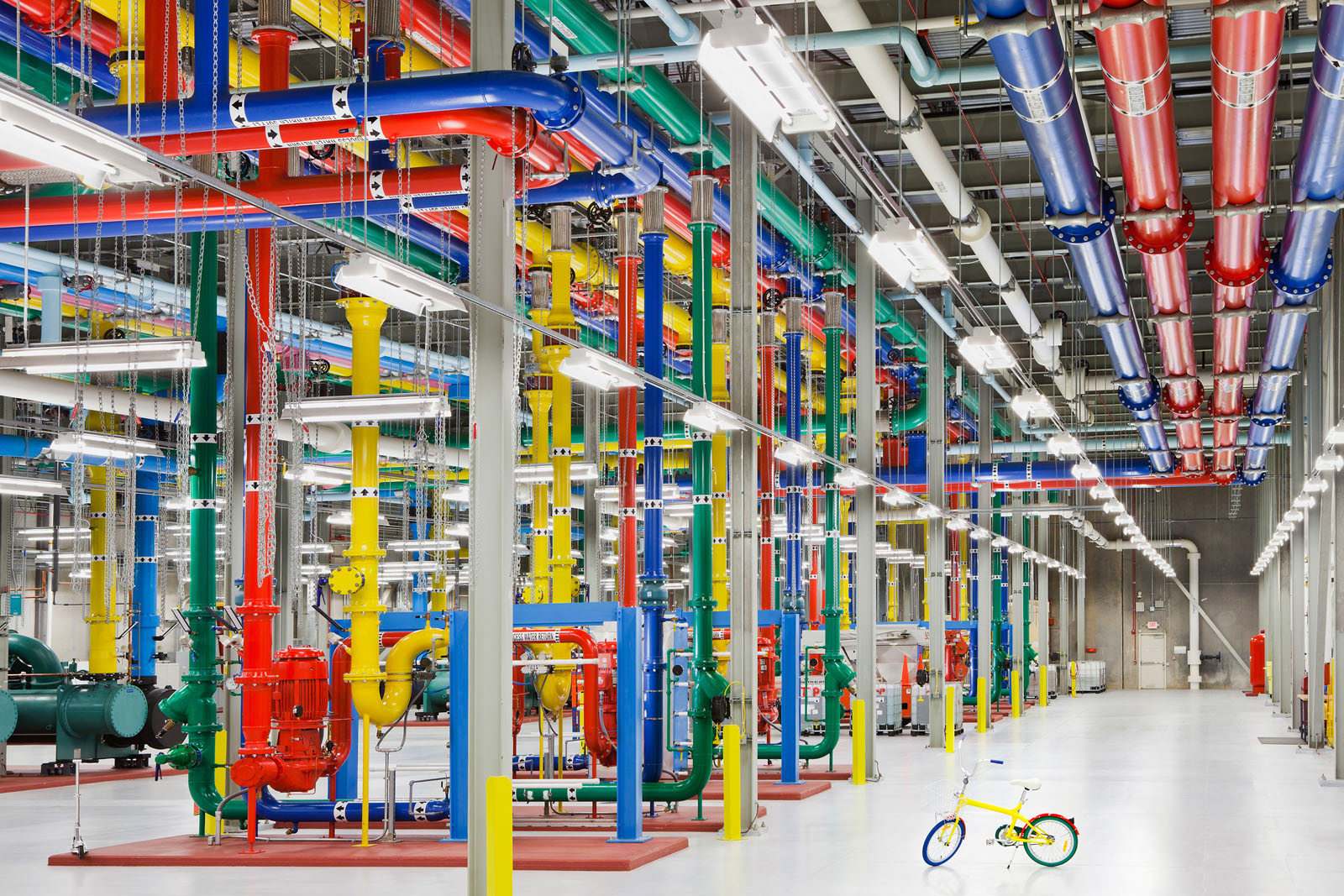 Inside Googleu0026#39;s High-Tech Data Centers : iDesignArch ...